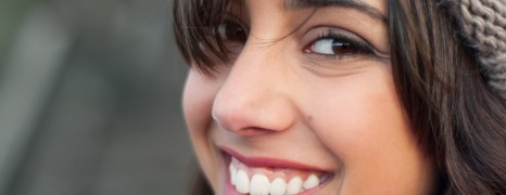 How to Use Teeth Whitening Kit at Home